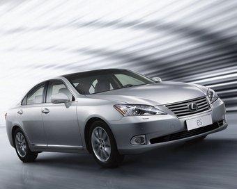 Обновленный Lexus ES 350.