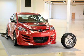 Mazda CX-7 «Русская борзая». Фото Антона Уханова, Лента.ру