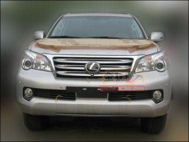 Появились подробности об уровне оснащения нового LexusGX и фото кузова
