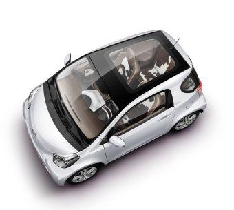 Микро-кар Toyota iQ прошел в финал европейского конкурса «Автомобиль года — 2010».