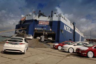 Honda Civic Type R отправляется из Англии в Японию.