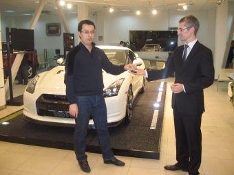 Ключи от первого официального российского Nissan GT-R были переданы владельцу.