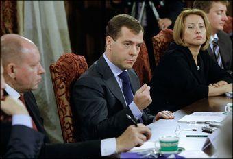 Дмитрий Медведев провел пресс-конференцию для белорусских журналистов, во время которой был поднят вопрос об унификации ввозных пошлин на иномарки в России и Белоруссии. Фото: Белорусские Новости - http://naviny.by