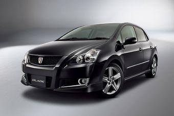 В Японии вышла рестайлинговая версия Toyota Blade.