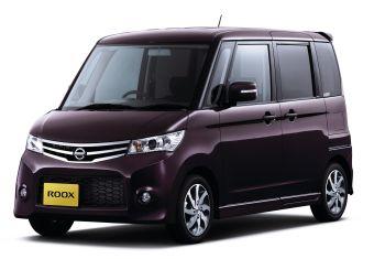 В Японии стартовали продажи микро-минивэна Nissan Roox.