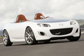 Mazda MX-5 нового поколения станет более экономичной, но по-прежнему быстрой. На фото представлен концепт MX-5 Superlight.