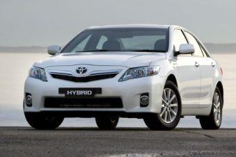 Гибридная версия Toyota Camry.