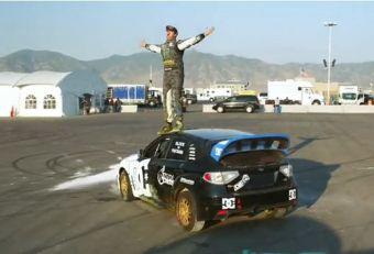 Кен Блок на крыше Subaru Impreza WRX STI.