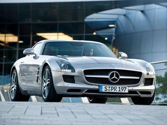 В России начались продажи супер-кара Mercedes-Benz SLS AMG Gullwing.