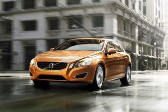 Компания Volvo готовит к дебюту новое поколение S60.