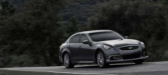 Infiniti представляет седаны, купе и кабриолеты серии G в эксклюзивной версии AnniversaryEdition