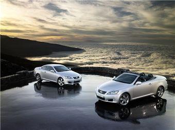 В России начинаются продажи кабриолета Lexus IS 250C.