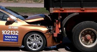 Во время презентации фирменная система предотвращения столкновений компании Volvo не справилась со своей задачей.