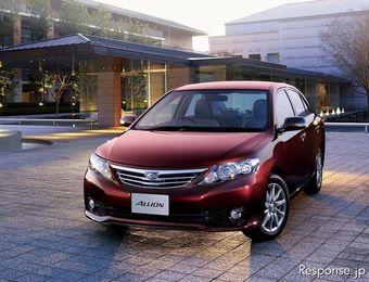 Toyota улучшила расход топлива на седанах Allion и Premio.
