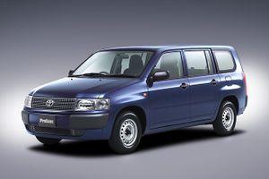Toyota приблизила универсалы Probox и Succeed к экомобилям