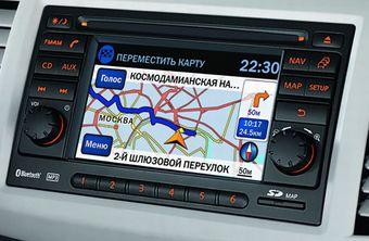 Интегрированная аудио- и навигационная система Nissan Connect стала главным элементом обновленной версии Tiida.