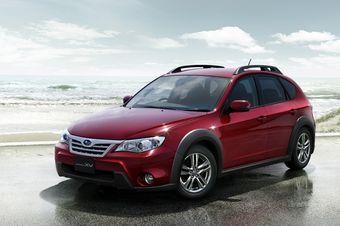 Кроссовер Subaru Impreza XV в новой для модельного ряда расцветке кузова.