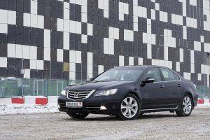 Honda снимет с производства модели Legend и Elysion