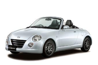 В Японии начались продажи подновленного кабриолета Copen.