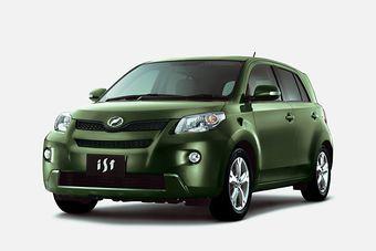 Toyota обновила ist и Porte.