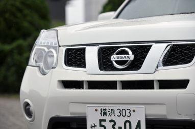 Японцы разбирают новинки от Nissan — минивэн Elgrand и обновленный X-Trail