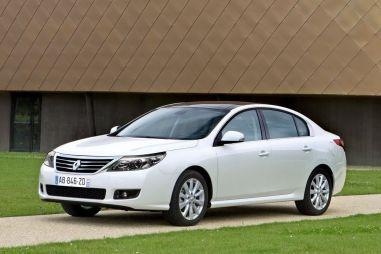 Осенью в модельном ряду Renault появится новый флагман — седан Latitude