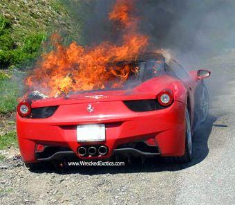 Итальянский производитель суперкаров компания Ferrari отзовет все модели 458 Italia из-за риска возгорания.