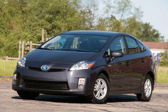 Производство модели Toyota Prius наносит больший ущерб экологии, нежели создание модели такого же класса, но с обычным ДВС.