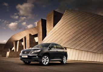 Lexus RX 270 с понедельника появился в дилерских центрах бренда.