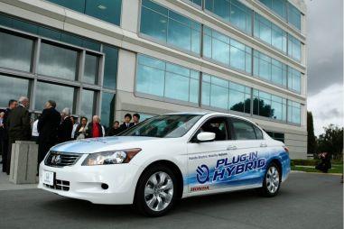 Honda начинает тесты подзаряжающегося гибрида Accord
