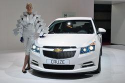 Cruze в кузове хэтчбек в этом году выйдет в продажу. В Женеве будет официально представлена серийная версия машины.
