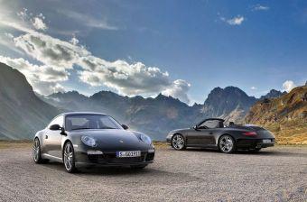 Porsche 911 Carrera Black Edition в кузовах купе и кабриолет.