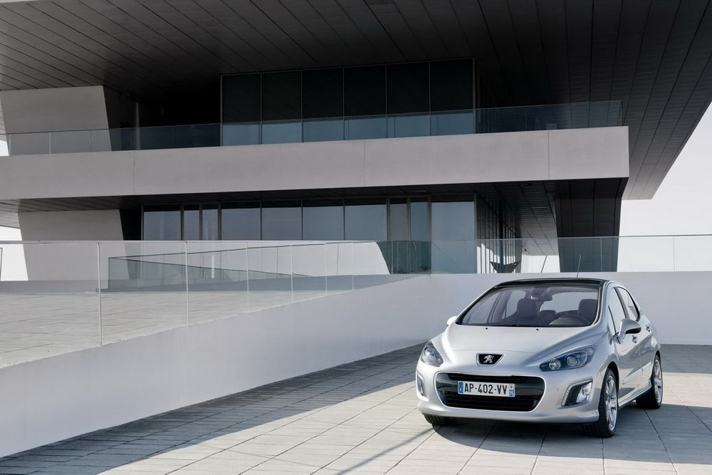 Модельный ряд Peugeot 308 обновлен e063240a7d5