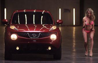 Nissan Juke против фотомодели в тесте на ускорение.