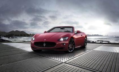 Maserati GranCabrio в новой комплектации Sport дебютирует наЖеневском автосалоне