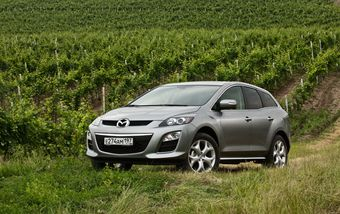 Переднеприводная Mazda CX-7 выходит на российский рынок.