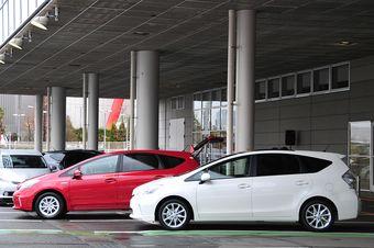 Тойота откладывает запуск производства новой гибридной модели из-за катастрофы, произошедшей в Японии.