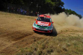 Новый раллийный болид Toyota Auris Super 2000 по техническому оснащению подходит для гонок WRC.