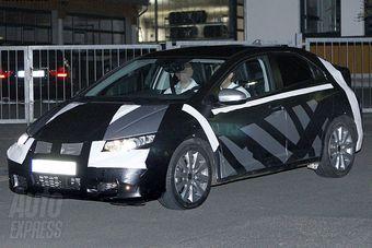 Тестовый образец хэтчбека Honda Civic нового поколения замечен на дорогах Европы.