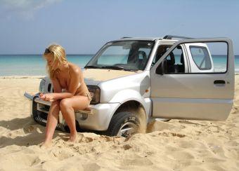 Если талон техосмотра вашей машины заканчивается в 2011 году, то вам не придется его проходить до следующего года. Правительство вам дает отсрочку.