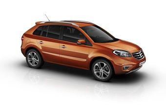Обновленный Renault Koleos в новом цвете кузова Cayenne Orange.