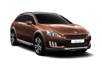Гибридный полноприводный Peugeot 508 RXH поступит в продажу весной следующего года.