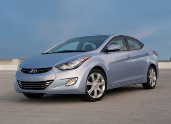 Продажи Hyundai Elantra в России начнутся осенью. Цены на модель пока не названы.