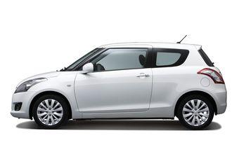 Базовый вариант Suzuki Swift лишился двух дверей, но стал дешевле.