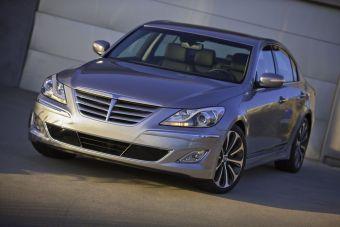 Обновленный вариант седана Hyundai Genesis был показан еще в начале года на автосалоне в Чикаго. Теперь машина доступна и российским покупателям.