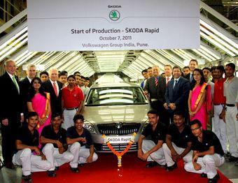 Дебют седана Rapid на заводе концерна Volkswagen в Пуне. Rapid — второй автомобиль марки Skoda после Fabia, который будет производиться на этом заводе. Помимо этого, он будет выпускаться и на заводе Skoda в Аурангабаде, в районе Махараштра, Индия, где уже производятся Superb, Laura (Octavia) и Yeti.