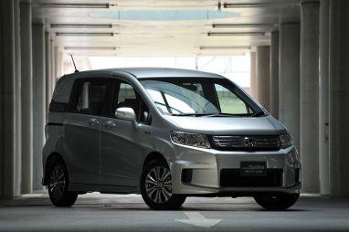 Honda выпускает гибридную модификацию Honda Freed и Honda Freed Spike