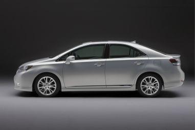 Lexus может отказаться отпродаж гибрида HS вСША — нетспроса