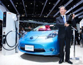 Электрокар Nissan Leaf стал лучшим автомобилем японского рынка в этом году.