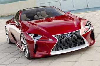 Lexus показал концептуальное купе LF-LC. Автомобиль в течение пары недель будет доступен для посетителей Детройтского автосалона.